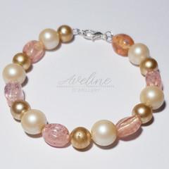 Light pink/Pearl Beaded Bracelet
