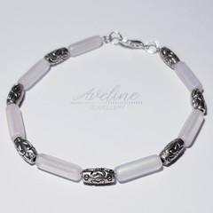 White/Silver Beaded Bracelet