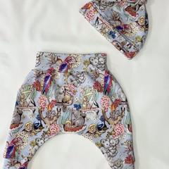 Harem pants and Beanie