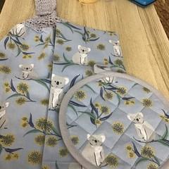 Double thickness crochet top towel, tea towel and pot mitt