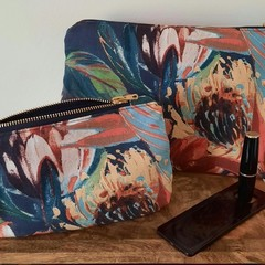 TOILETRY GIFT SET/TRAVEL SET/BLUE FLORAL/WATER RESISTANT LINING/YKK ZIPPERS