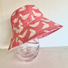Girls summer hat in seagull  fabric