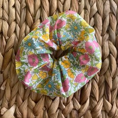 Pretty Meadow Flowers Floral pattern Hair Scrunchie Hair Tie Accessory