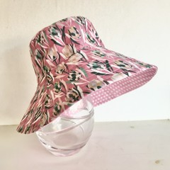 Girls summer hat in pretty protea fabric