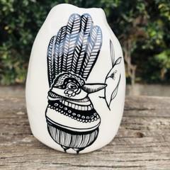 Wren bird vase