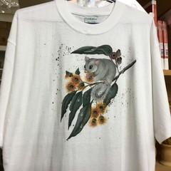 White tee-shirt hand painted with Australiana.