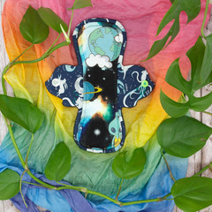 "8"" moderate exposed core cloth pad (Leak Freak Flutter)"