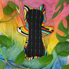 "8"" moderate exposed core cloth pad (Happy Hippos Naomi's Kitty)"