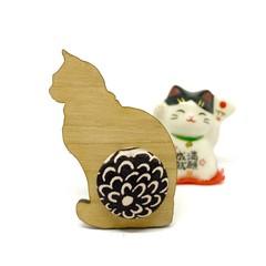 Kimono Cat Brooch - Brown