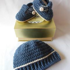 Robert- Baby Shoes and Hat Set - Newborn (0-3mths)