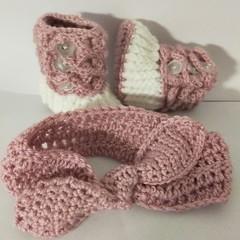 Newborn booties and headband set