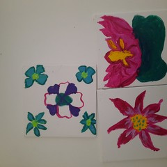 .floral design set of 4 hand painted coasters