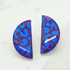 Into the wild - leopard print in blue & purple - half circle studs