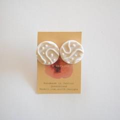 Metallic Silver Lrg round polymer clay stud earrings