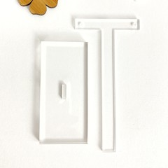 Acrylic earring stand hanger in clear