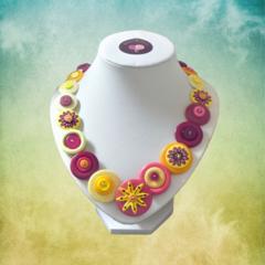 Colourful necklace - Lazy Daisy