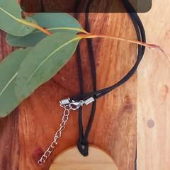 Sassafras pendant with heart