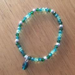Green mix beaded bracelet