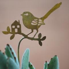 Fairy Wren with Tiny House Brass Garden Decoration 2