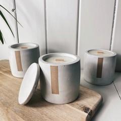 Vanilla caramel candles