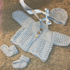 Feather and Fan Baby Set Knitting Pattern