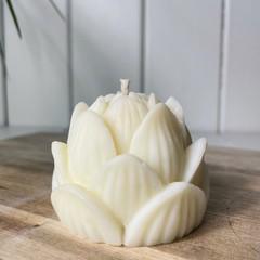 Vanilla caramel rose candle