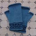 Fingerless mitts adult 2 blue shades