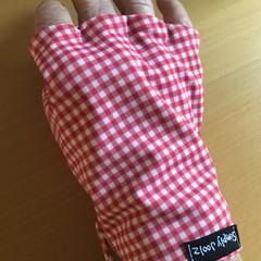 Sunglove: golf, lycra, sun protection, fingerless, palm free, free post