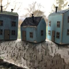 3 Tiny Houses