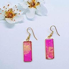 Rectangular gold earrings In Pink and Gold Tonings