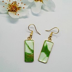 Rectangular Gold Earrings in Green and White Tonings