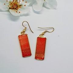 Rectangular Gold Earrings In Red Tonings