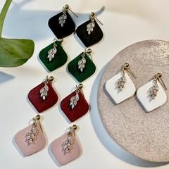 Rounded diamond earrings