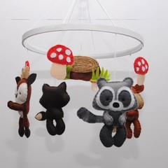 Woodland animal Baby Mobile - baby shower gift - pick your own colours - made to