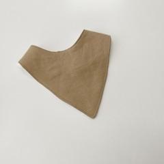Almond in linen bandana bib