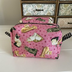 Boxed Zippered Makeup Purse