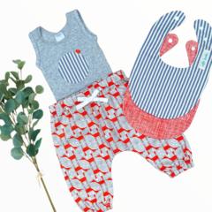 4 piece set - Fox - Singlet - Harem Pants - Bibs - Size 000