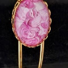 Oval gold bangle